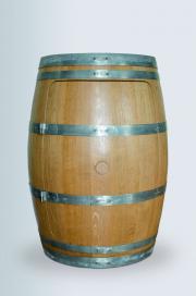 Weinfass mit Tür geschlossen
