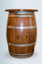 Halbes Weinfass mit Ablage & Tür
